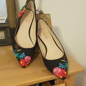 Adorable embroidered flats